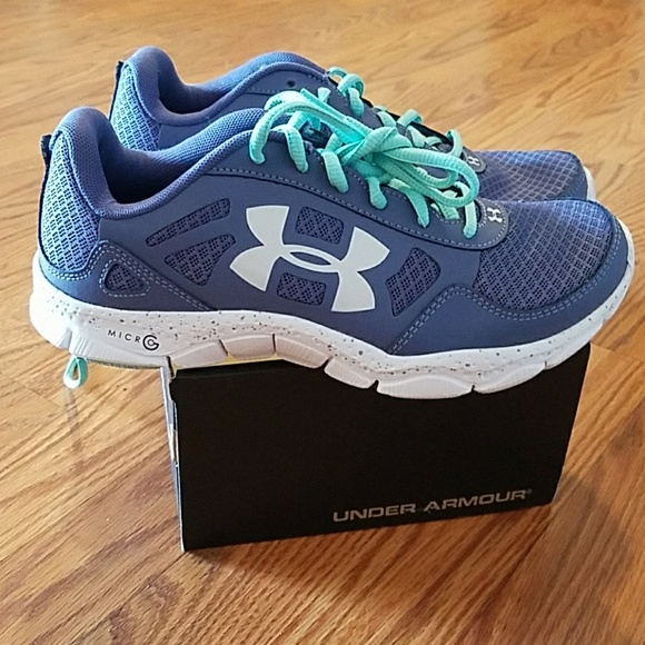 New Kid/'s Youth Under Armour 1301859-001 BGS Micro G Engage Shoes Black G16